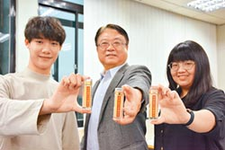 中華大學抗疫 送教職黃金蟲草