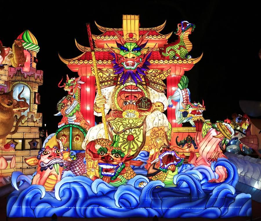 新竹監獄的「九龍獻瑞」花燈,榮獲特優佳績。(台中市政府教育局提供/陳世宗台中傳真)