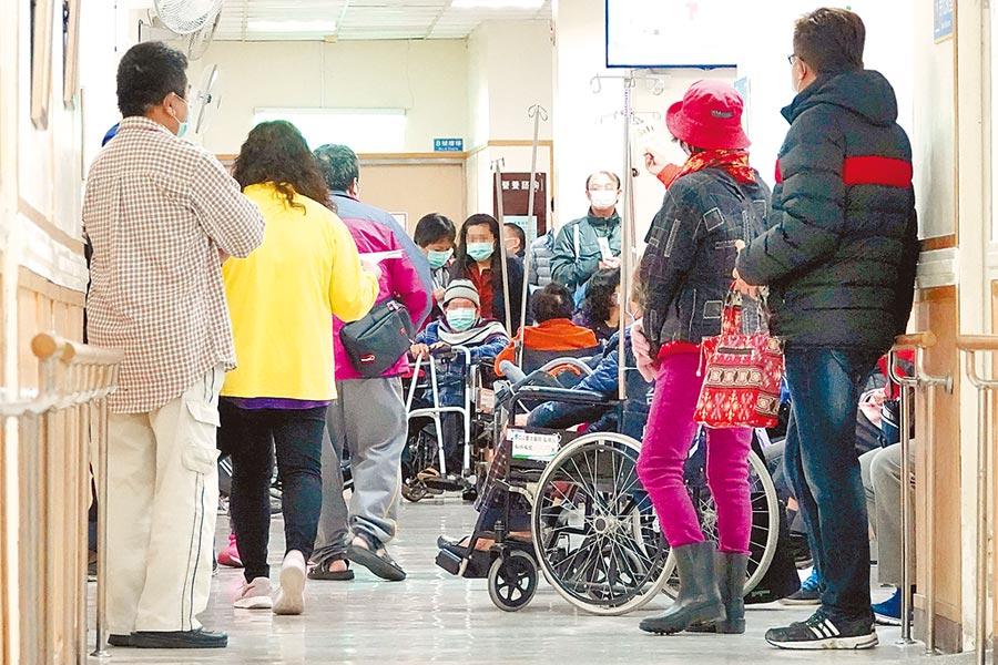 武漢肺炎疫情嚴峻,行政院今針對紓困條例一事討論,勞動部將建議,傾向給予居家檢疫、居家隔離者公假,並給予適當補償。(本報資料照片)