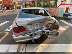 機車狂飆變換車道 猛撞轎車送身亡