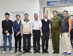 韓國瑜慰問國軍弟兄投入口罩生產
