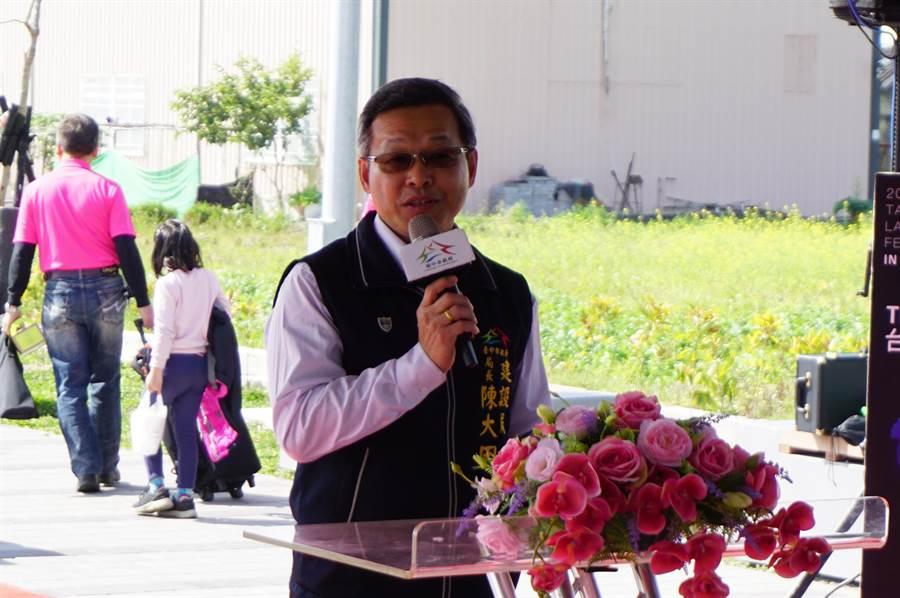 建設局長陳大田主持十四張圳水岸公園落成祈福典禮。(王文吉攝)
