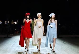 紐約時裝周/麥莉踩場Marc Jacobs 大秀馬甲線