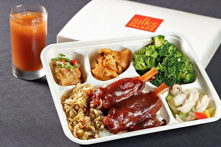 提供消費者安心便利的外送服務,「故宮晶華」推出9款便當與30道精選料理。(圖/故宮晶華提供)
