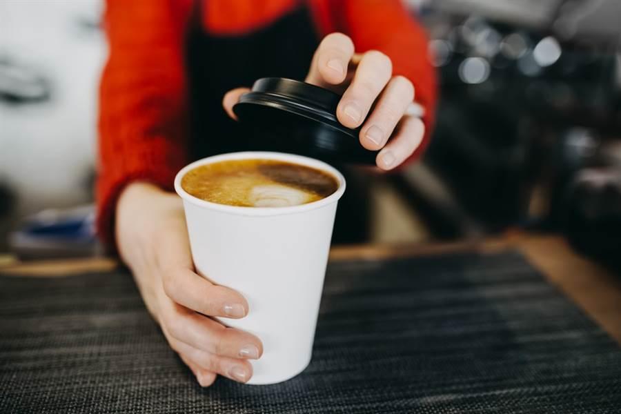 美國紐約州立大學營養系教授坦普認為,如果用對方法,發育中的青少年也可喝咖啡。(達志影像/shutterstock)