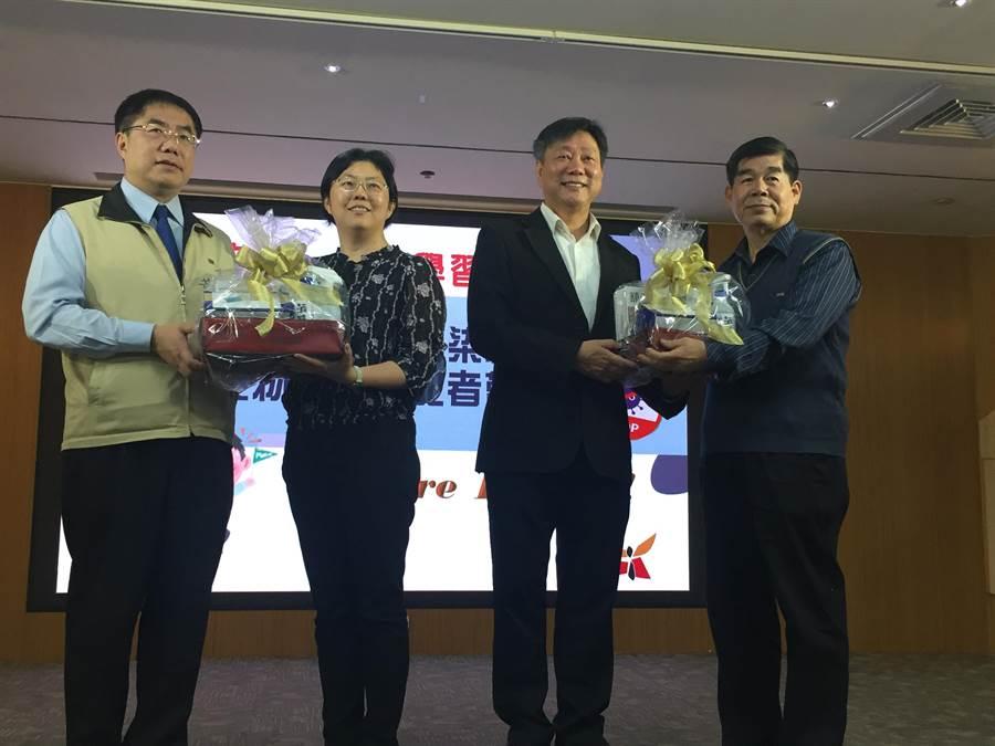 台南市教育局防疫物資準備好了,已陸續由各校領回。(曹婷婷攝)