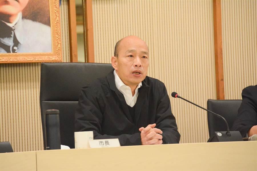 高雄市長韓國瑜13日上午北上參加行政院會,籲請中央定紓困暫行條例。(本報資料照片)