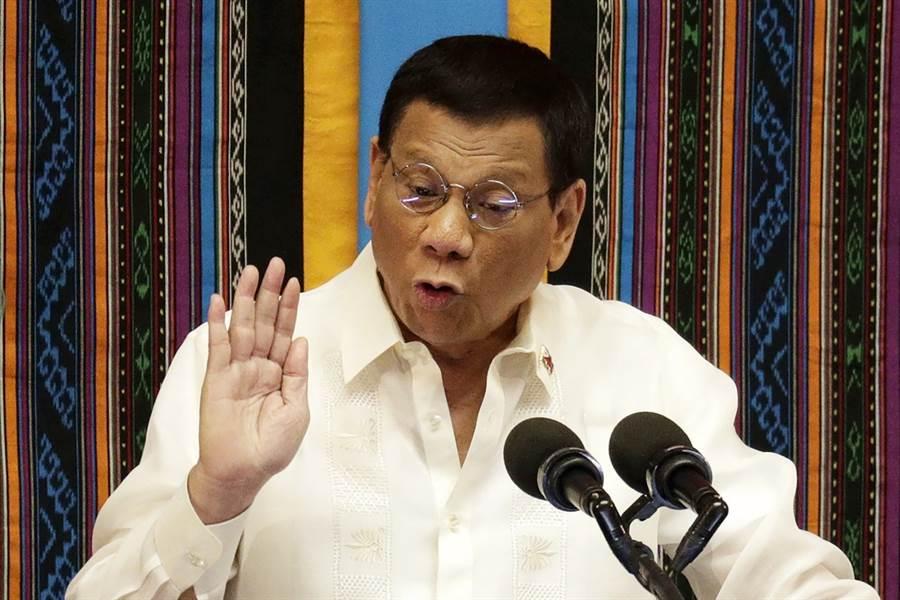 菲律賓總統府12日表示,菲國總統杜特蒂將親自審查菲國對我國的旅行禁令。(資料照/美聯社)