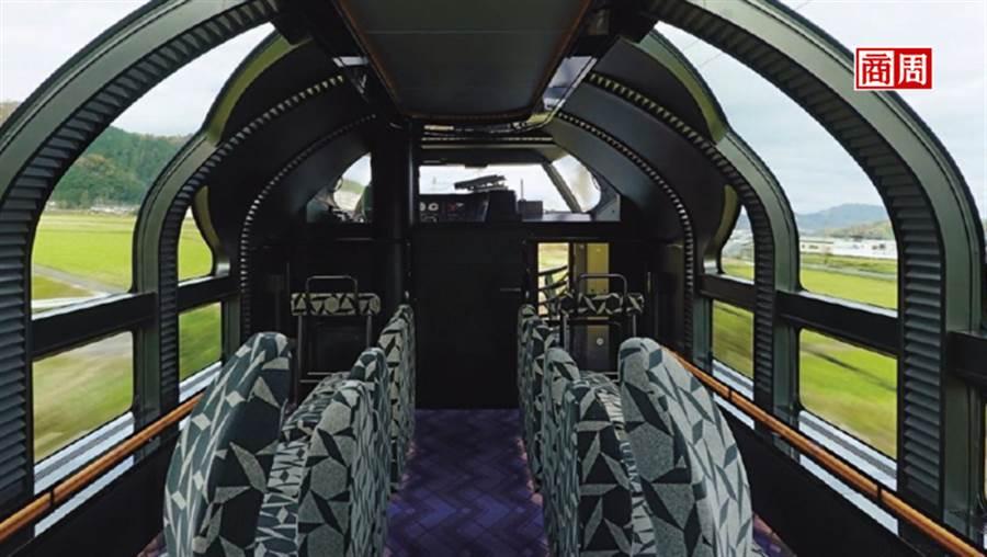 瑞風展望車廂的大片觀景窗從側面延伸至車頂。(攝影者.梁旅珠/商周提供)