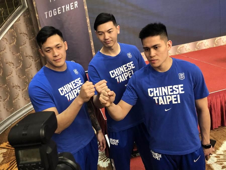 周儀翔、胡瓏貿與陳盈駿等3人都在大陸CBA球隊效力。(黃及人攝)