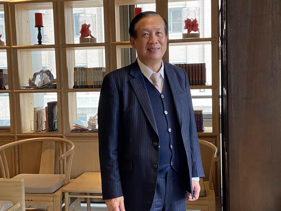 中華民國全國商業總會理事長、鄉林集團董事長賴正鎰13日表示,人口紅利與低利率,雙利發威的優勢,游資充沛且剛性購屋需求強勁的市場情況下,2020年房市可望維持成長態勢。(盧金足攝)