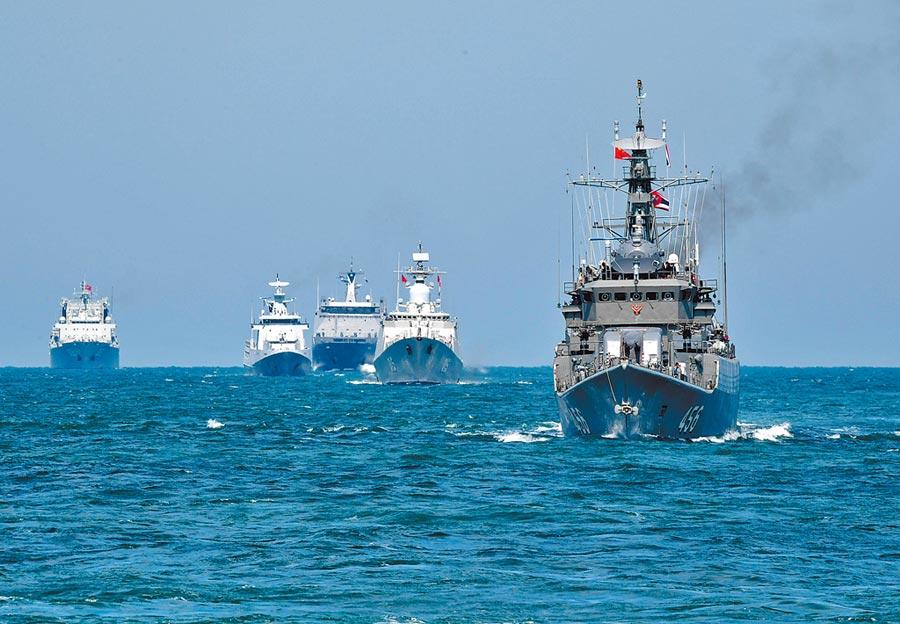 菲律賓逐漸轉向中國,圖為2019年中國-東南亞國家「海上聯演—2019」,中國、泰國、菲律賓等7國參演。(新華社資料照片)