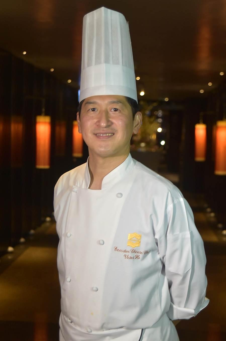 曾在香港賽馬會與三星餐廳〈龍景軒〉歷練的何競業,出任香格里拉台北遠東國際大飯店的中餐行政主廚。(圖/姚舜)