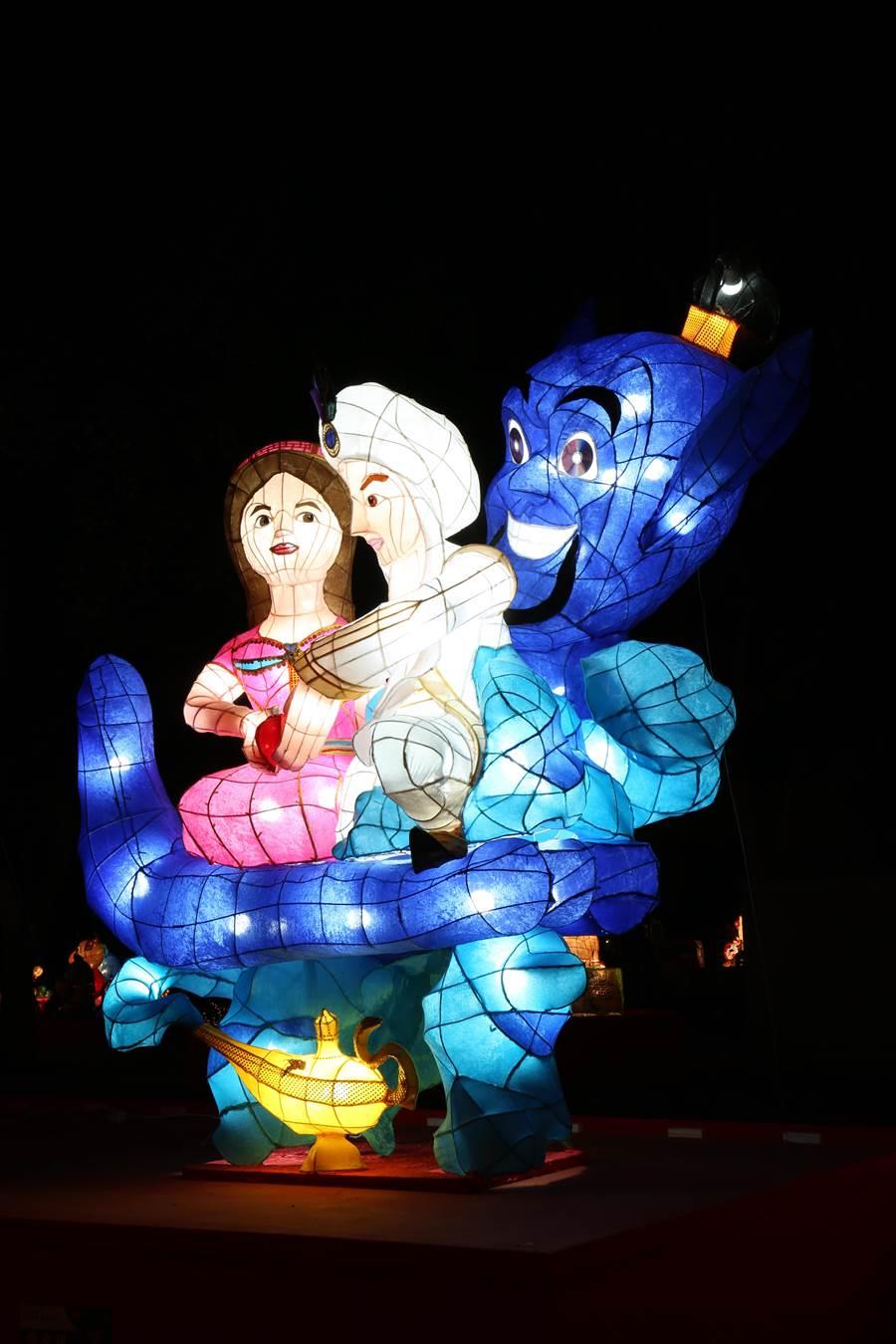 【特優作品介紹】這座以阿拉丁神燈故事為主題的花燈,祝福大家在神燈精靈的擁抱中,能「心想事成」。(台中市政府教育局提供/陳世宗台中傳真)