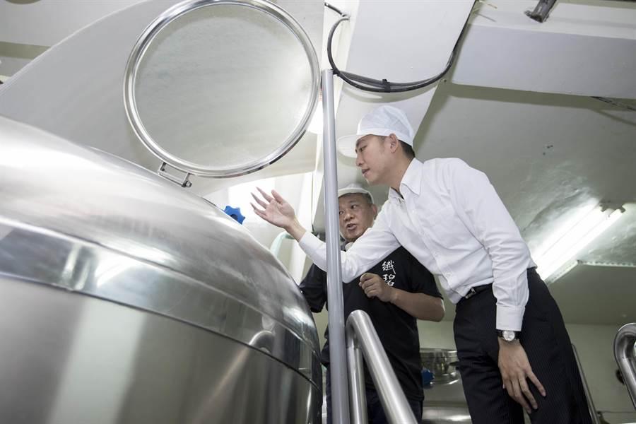 新冠肺炎疫情延燒,新竹市政府針對新竹市中小企推出便利貸款,將提供受疫情影響的中小企業不用提供擔保品即可申請貸款。(陳育賢攝)
