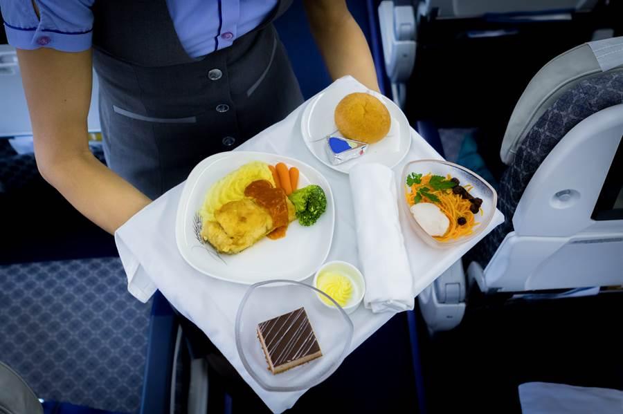 空少神招防疫 飛機餐這樣點網狂讚(示意圖/達志影像)