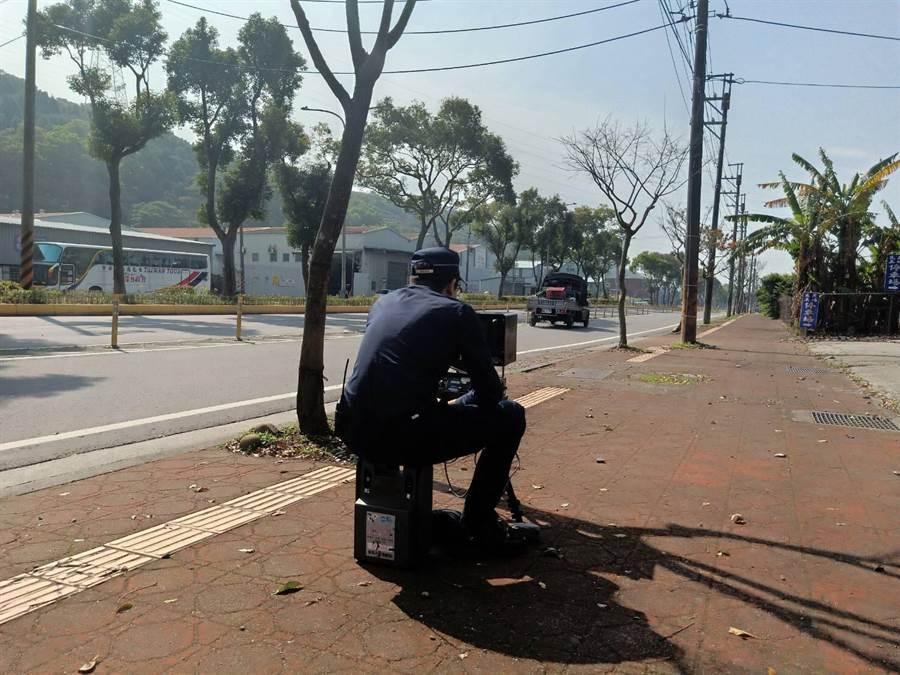 桃園市龜山警方即日起進行交通大執法,針對交通量大道路提升執法強度。(警方提供/賴佑維桃園傳真)