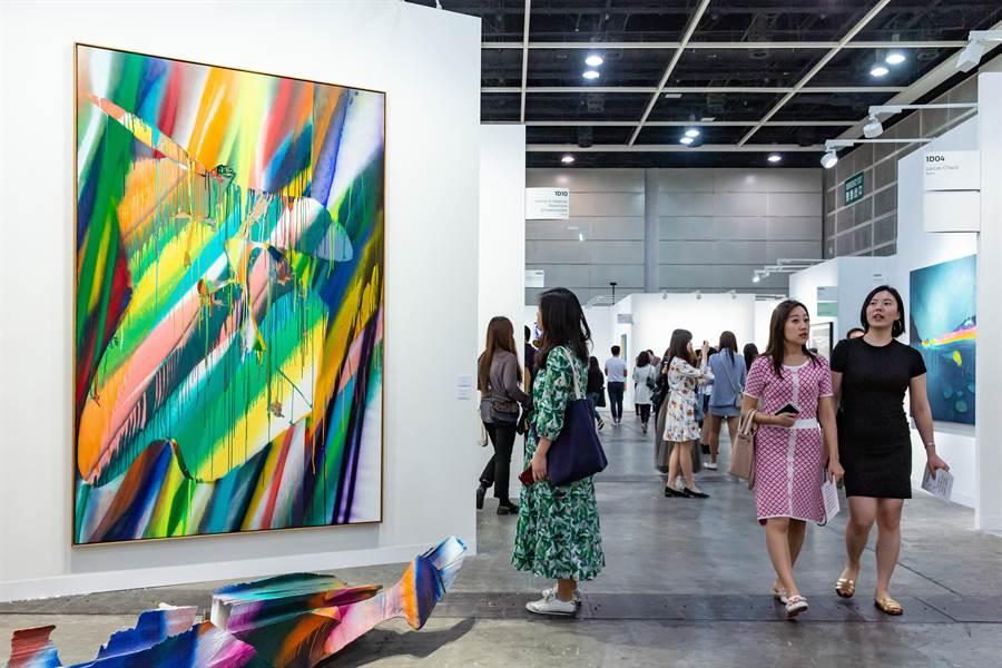 香港巴塞爾等亞洲藝博會受疫情衝擊取消,對台灣畫廊業者的海內外布局產生影響。(香港巴塞爾提供)