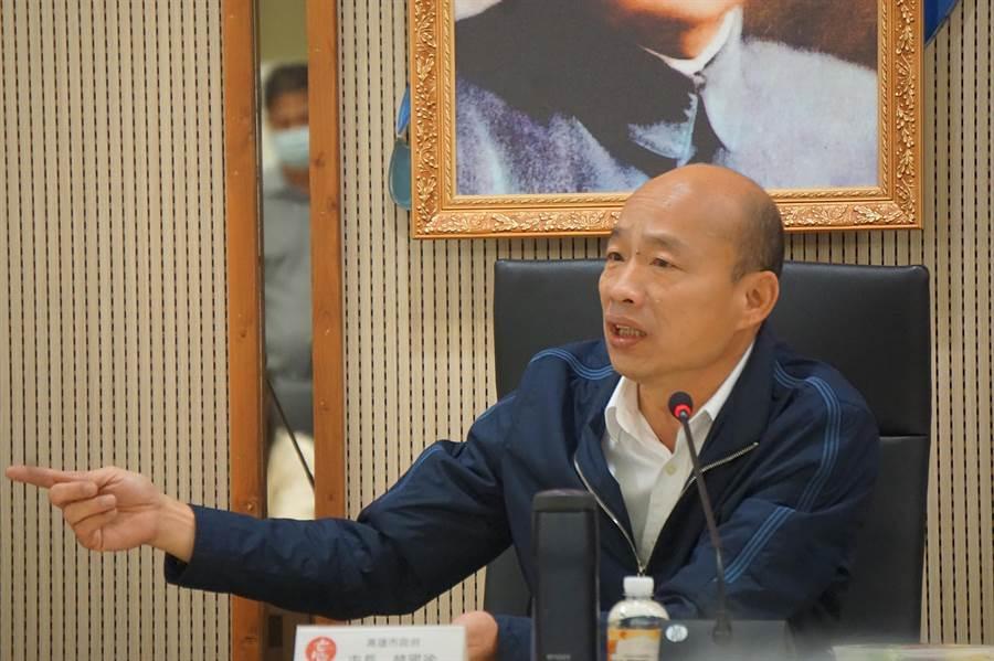 針對消防員死傷悲劇,高雄市長韓國瑜今天表示,研擬智慧交通號誌。(柯宗緯攝)