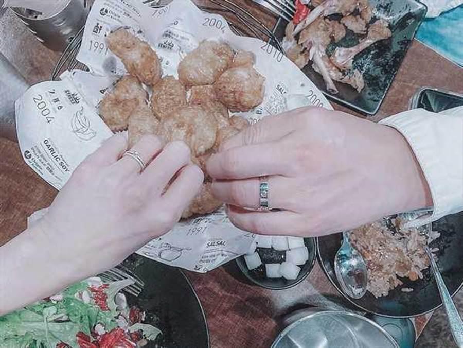 KIMIKO在上月底宣布晉升人妻。(圖/翻攝自KIMIKO臉書)