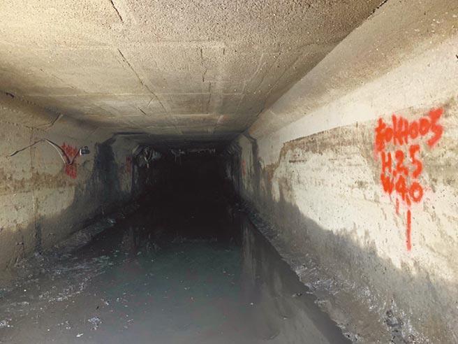新北大道與新五路口地下渠道及排水箱涵,日前已清疏完成。(新北市水利局提供/吳亮賢新北傳真)