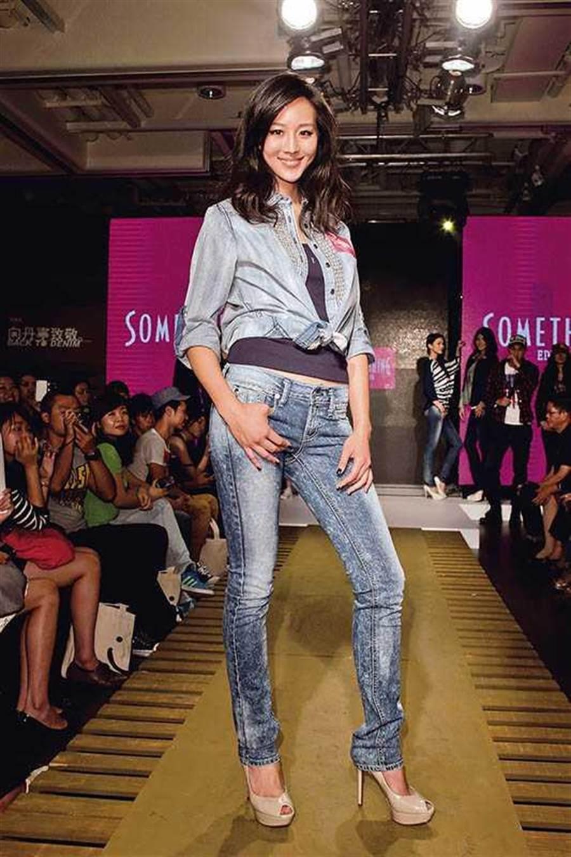 牛仔褲受到快時尚趨勢,很多人都有一條。(圖∕報系資料照)