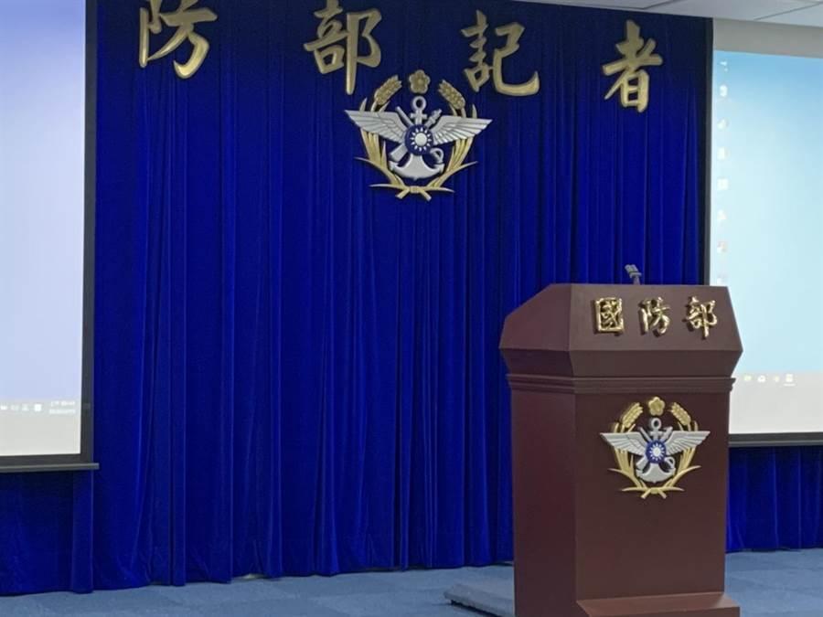 國防部今召開記者會說明黑鷹直升機失事原因。(楊孟立攝)