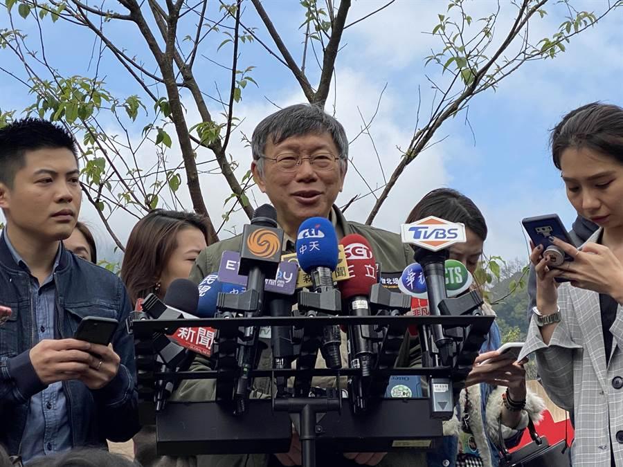 台北市長柯文哲出席陽明山櫻花季受訪。(張薷攝)