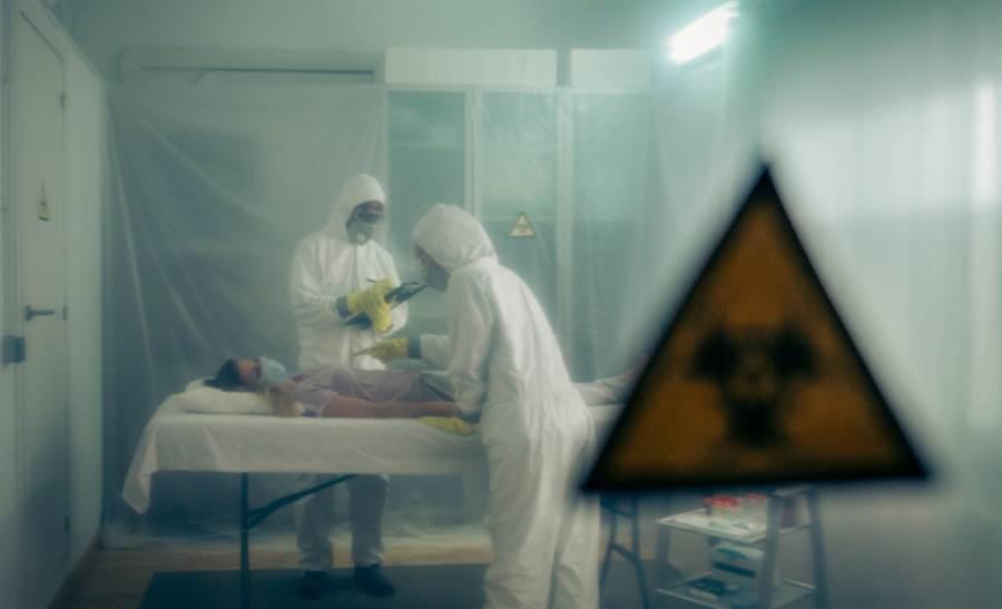 和歌山縣內一家醫院內先前染病的醫生同事也確診,讓該院內確診病例上升至3例。(示意圖/達志影像)