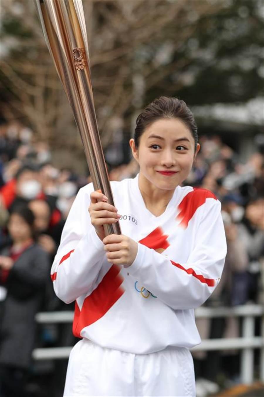 女星石原聰美參加東奧聖火接力綵排。(新華社照片)