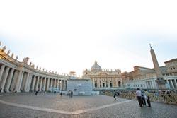 中梵外長首會晤 主教任命成焦點