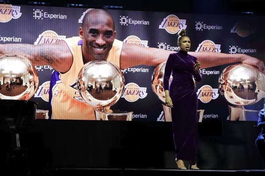 NBA明星赛悼念布莱恩。 (美联社)