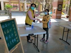 學生數逾1600人 新市國小提前演練開學防疫量體溫