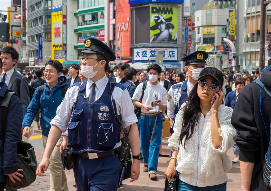 日本淪第二重災區仍不戴口罩?在地人揭原因(示意圖/達志影像)