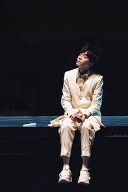 吳青峰開唱10分鐘 台上舞者脫帽驚見「騷靈女聲」 嘉賓!