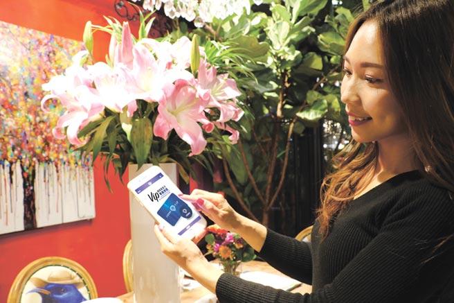 精銳建設開發手機客服讓住戶享有隨身服務。圖/曾麗芳