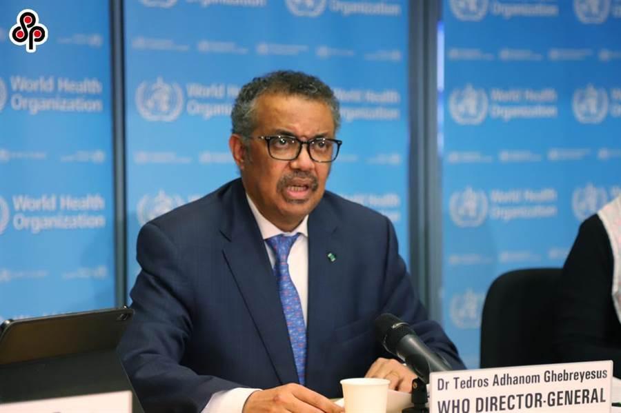 圖為世界衛生組織總幹事譚德塞17日在日內瓦有關新冠肺炎的例行記者會上發言。 (新華社)