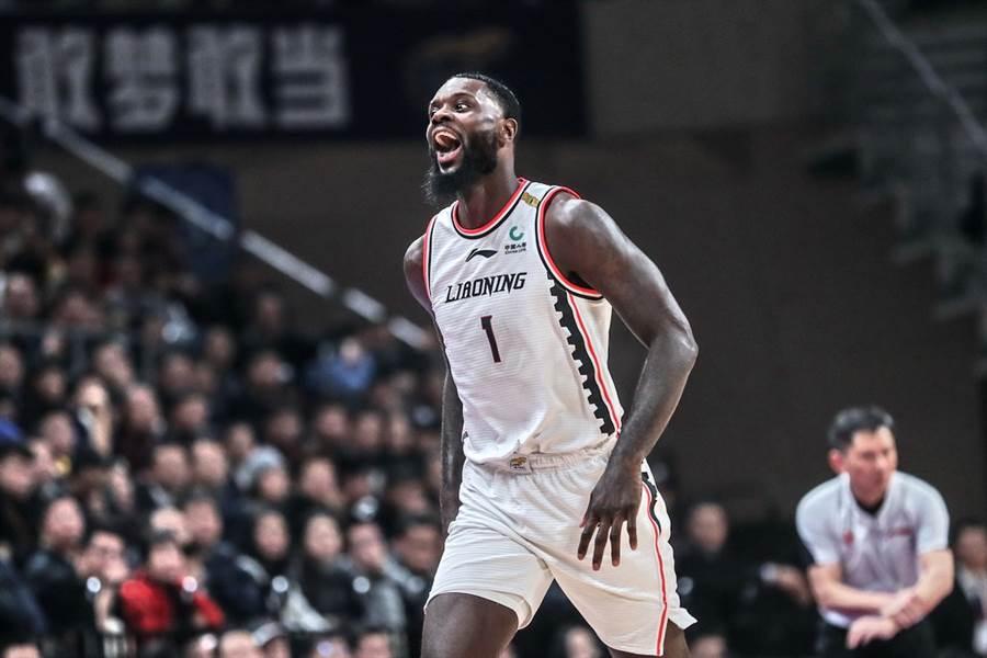 本季在遼寧隊表現還算出色的史蒂芬生,如今萌生想回NBA的念頭。(新華社)