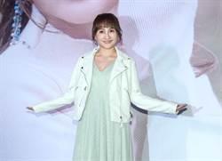 打工雞屎妹翻轉人生!37歲王宥忻頂「財富女神」成歌壇新人