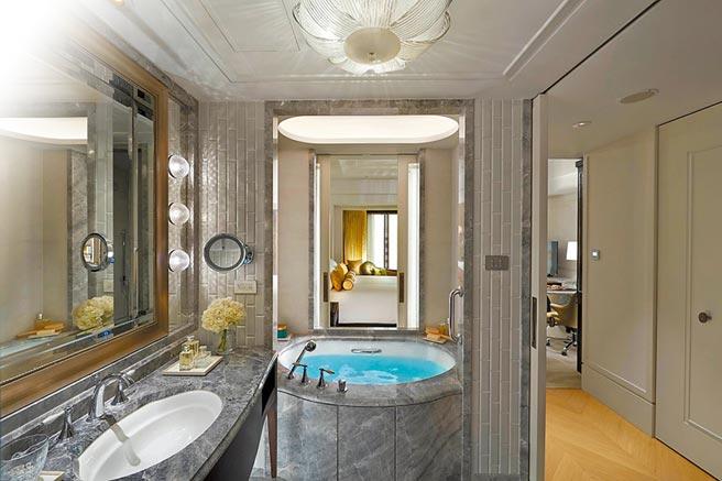 微風本季將與「台北文華東方酒店」攜手,讓微風會員透過APP就可訂房。(微風提供)