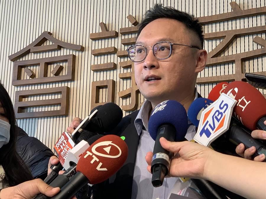 高市新聞局長鄭照新回應,民間戶外活動不會強力禁止。(柯宗緯攝)