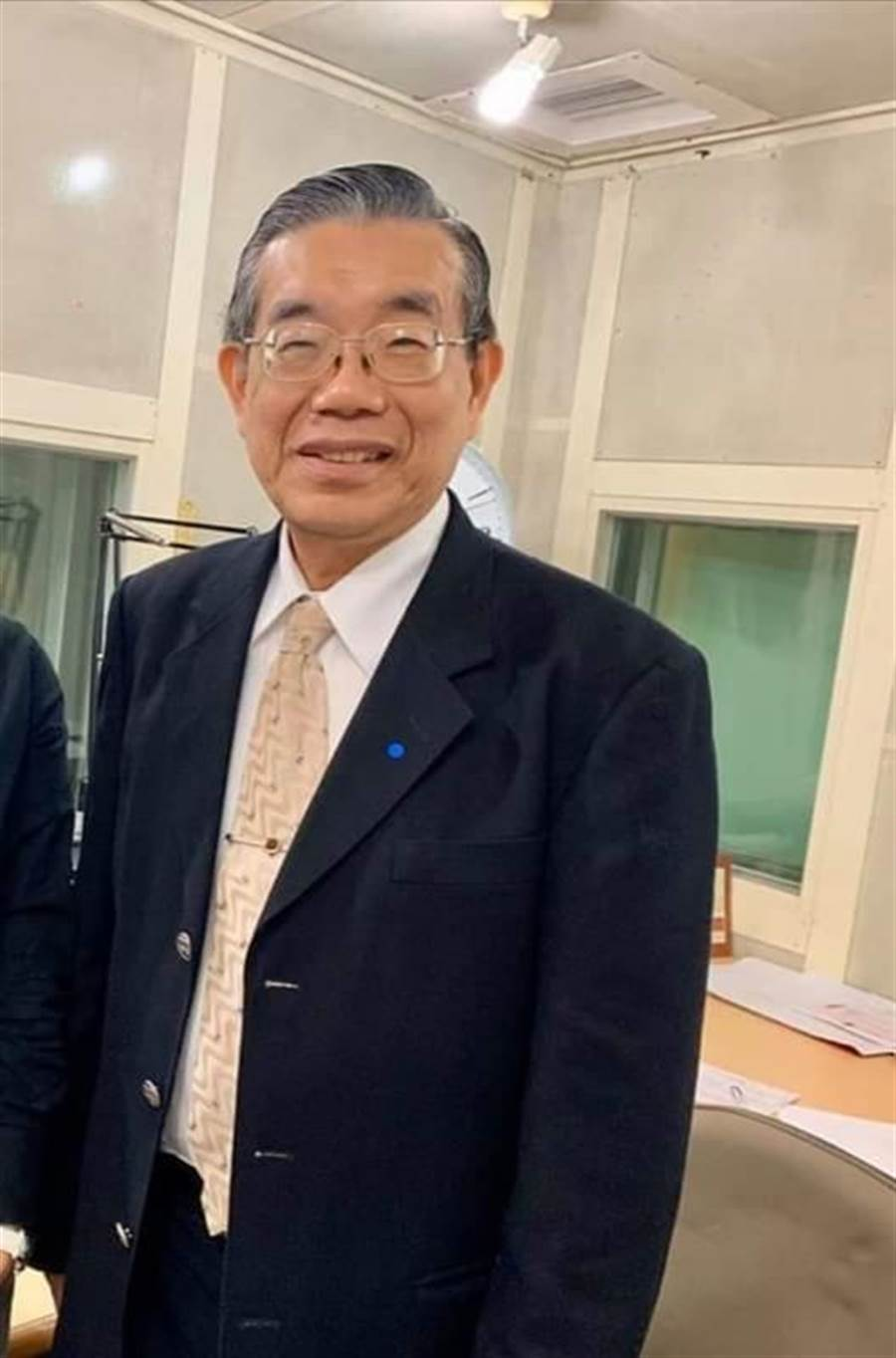防堵疫情,李龍騰建議跟中國停止往來3個月。(圖/取自李龍騰臉書)
