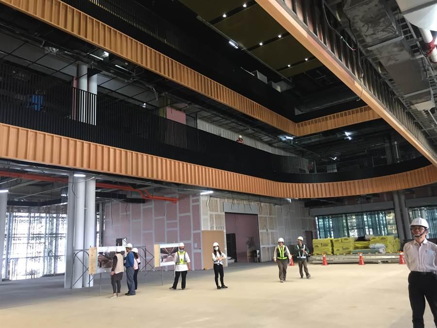 台南市立圖書館新總館目前施工進度達71.56%,預計10月竣工、12月正式開館營運。(曹婷婷攝)