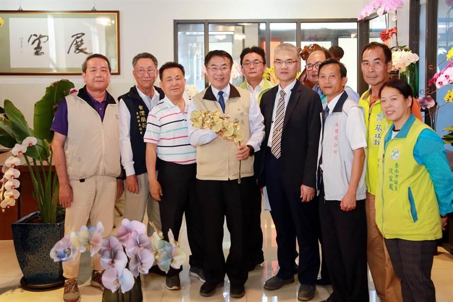 台南市長黃偉哲宣布台灣國際蘭展也將延期舉辦。(台南市政府提供/曹婷婷台南傳真)