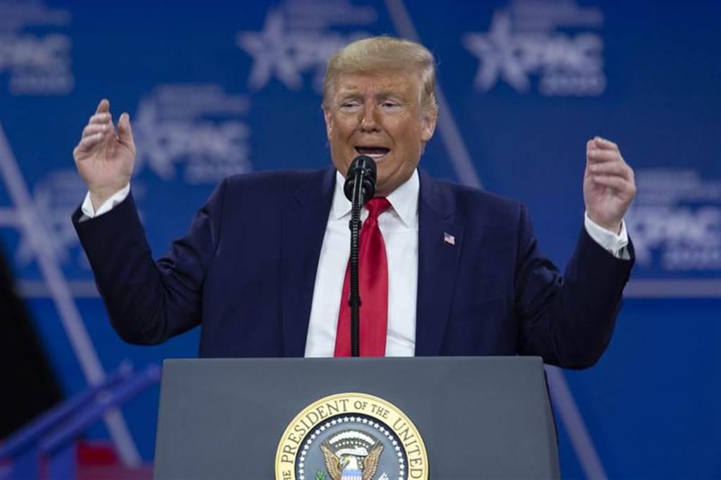 美國總統川普今天說明美國新冠病毒疫情。(圖/美聯)