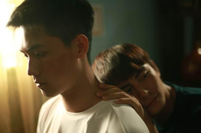 《我,最親愛的》武田家輝(左)嶺清相戀動人圈粉無數。(水元素文化傳媒有限公司提供)