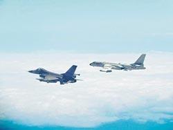 阿札尔访台 共机歼11、歼10越海峡中线  国军动用地面飞弹监控