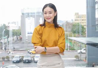 鍾瑶《鯊吻》扮行銷女王 鯊氣騰騰