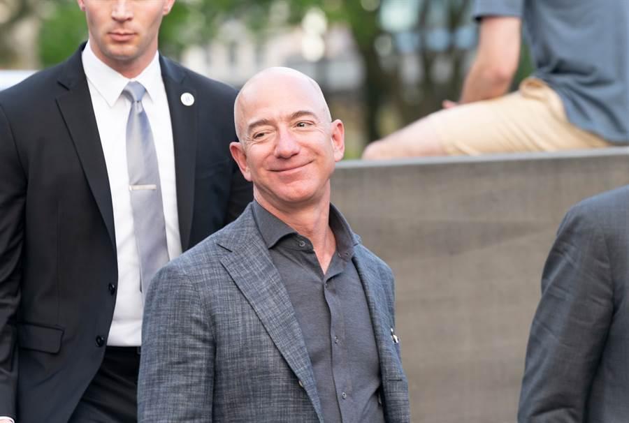 美國亞馬遜公司CEO傑夫・貝佐斯(Jeff Bezos)(圖/達志影像)