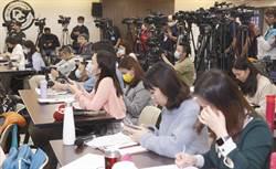 防疫手段再升級 陳時中:記者會座位重新安排、勿堵麥